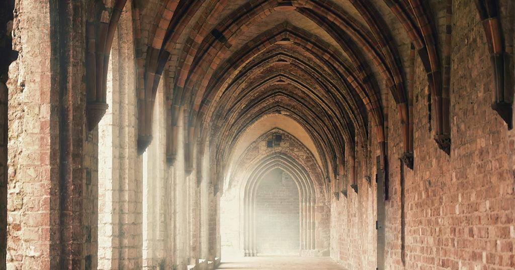 Klenby kláštera z lícových cihel